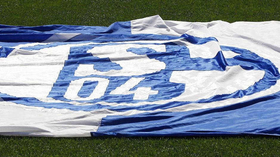 Am Boden und vor dem Absturz: Schalke 04 zerstört sich selbst.
