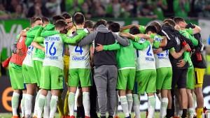 Wolfsburg gewinnt die erste Runde