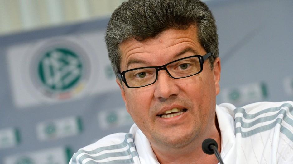 Herbert Fandel besucht keine Lehrgänge der Elite-Schiedsrichter mehr