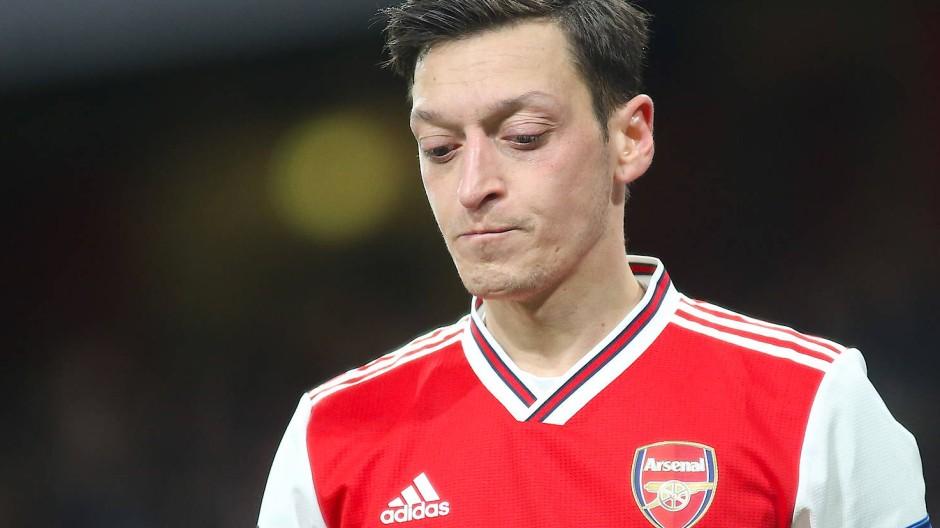 Mesut Özil spielt derzeit nicht beim FC Arsenal, steht aber trotzdem in der Kritik.