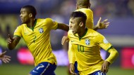 Neymar (rechts) traf nicht nur gegen Peru, er bereitete auch das Siegtor vor