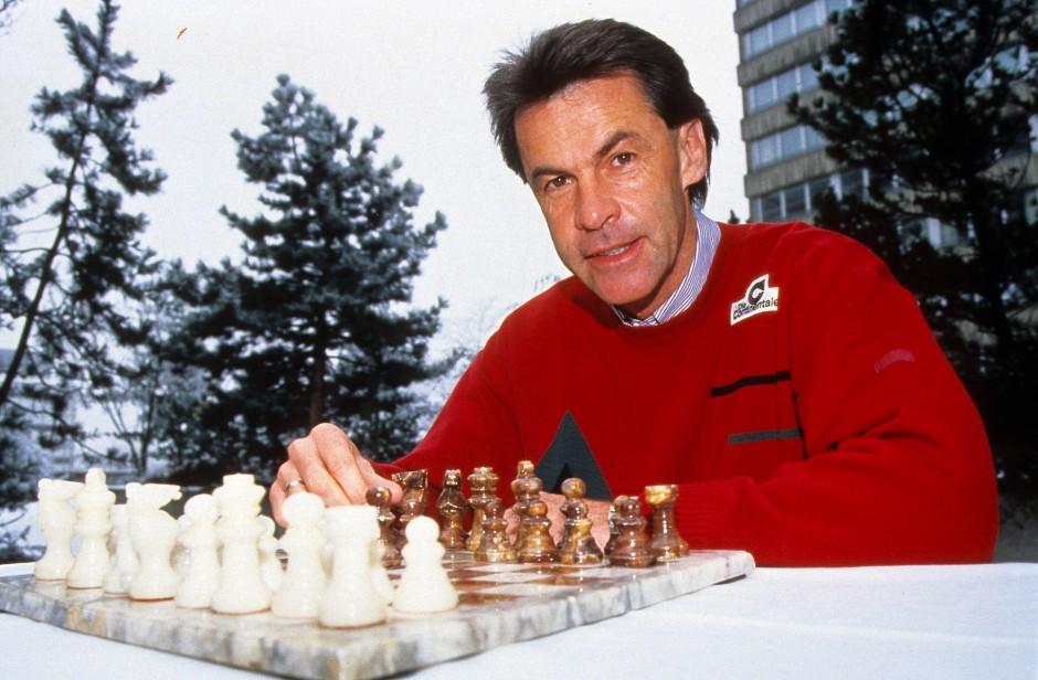 In der Bundesliga startete seine Trainerkarriere Anfang der 1990er Jahre in Dortmund.