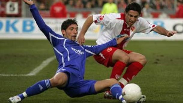 Schalke erstmals Tabellenführer