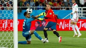 Spanien mit Glück zum Gruppensieg