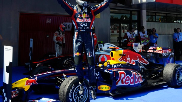 Vettel siegt im Nervenspiel