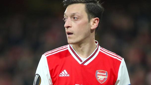Özil will seinen Vertrag bei Arsenal aussitzen