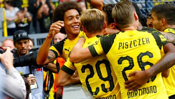 Dortmunder Erfolg bei Favre-Comeback