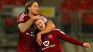 Nürnberg lässt die Eintracht zappeln