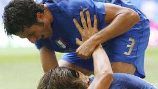 Italien als Gruppensieger im Achtelfinale