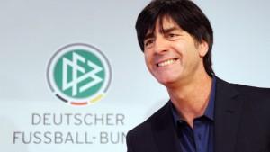 Bundestrainer Löw verlängert bis zur WM 2014