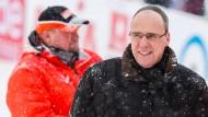 Peter Beuth, hier beim Weltcup-Skispringen in Willingen, kennt sich auf vielen Spielfeldern aus.