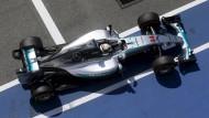 Warmstart für Lewis Hamilton