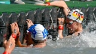 Schwimmerin kollabiert während Freiwasser-Staffel