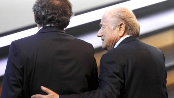 Neuer Verdacht gegen Blatter und Platini