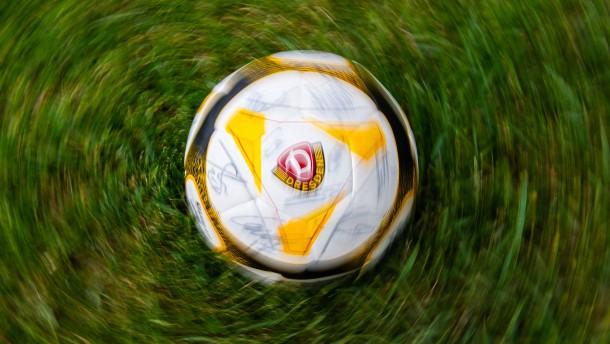 Dynamo Dresden schickt alle Profis in Quarantäne