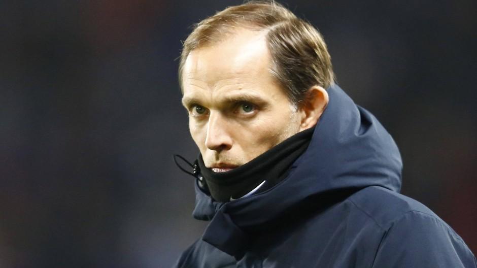 Vor dem Champions-League-Duell zwischen Paris und Manchester United muss sich Thomas Tuchel warm anziehen.
