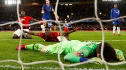 Manchester wirft Titelverteidiger Chelsea raus