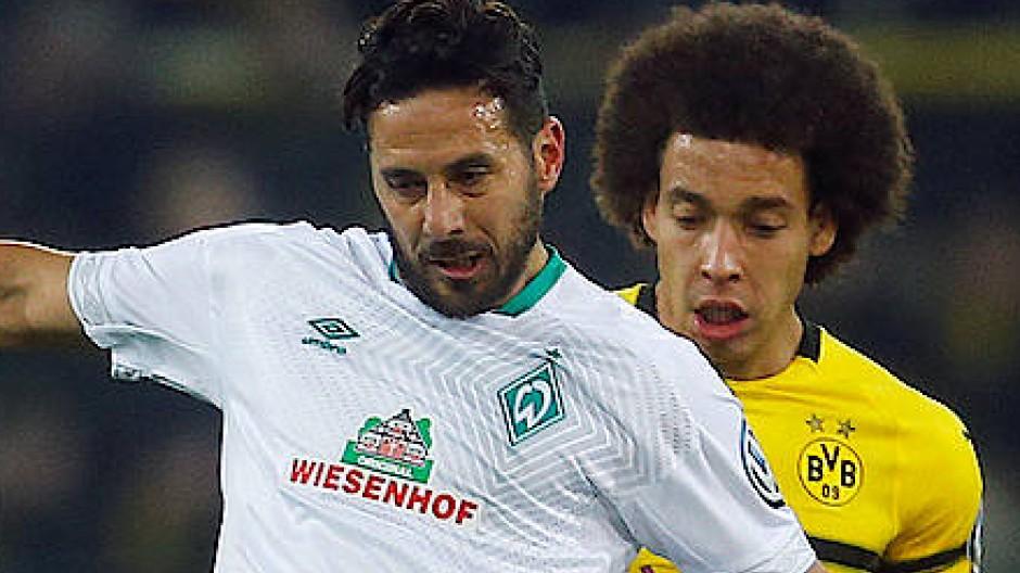 Jung geblieben: Claudio Pizarro (links) ist bei Werder Bremen noch immer ein wichtiger Faktor.