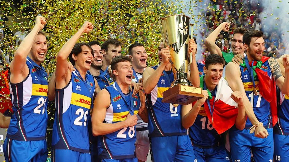 Italien hat sich erhoben: Im Sport zuerst, wie hier als Volleyball-Europameister. Und dann als Nation.