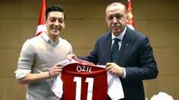 Türkei setzt bei EM-Vergabe auf Vorteil durch Özil-Affäre