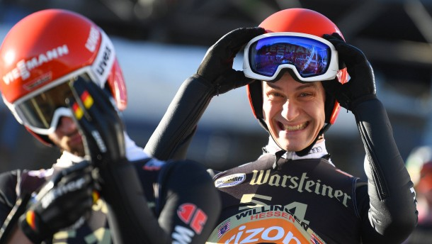 Deutsche Skispringer landen auf Platz zwei