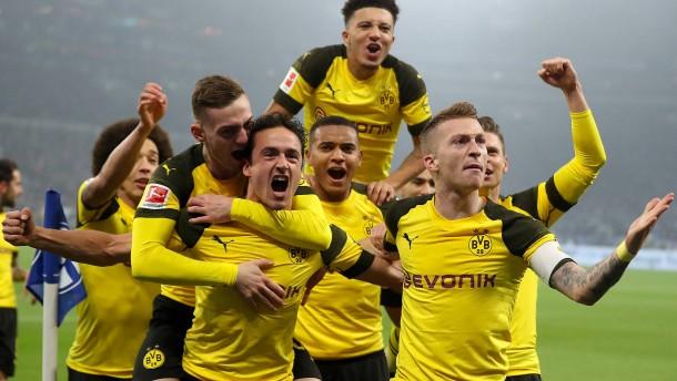 Dortmund auch im Derby nicht aufzuhalten