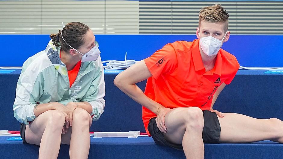 Sarah Köhler (links oben) und Florian Wellbrock holten die deutschen Bronzemedaillen bei Olympia im Schwimmbecken.