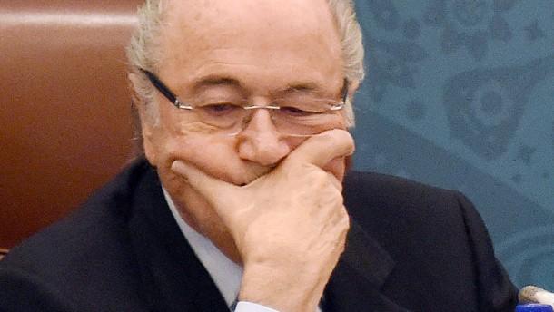 Blatter attackiert Platini mal wieder scharf