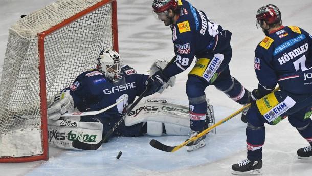 Favoriten München und Berlin patzen in DEL-Halbfinals