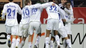 Schalke verschenkt den Sieg in letzter MInute