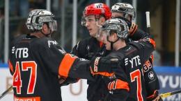 Dmitriev verstärkt die Löwen, vier Profis gehen