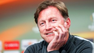 Hasenhüttl klärt die Leipziger Trainerfrage