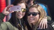 Freundinnen beim Weltcup-Finale: Anna Fenninger (l.) und Lara Gut