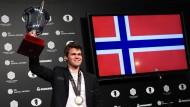 Norwegen jubelt: Magnus Carlsen bleibt Schach-Weltmeister.