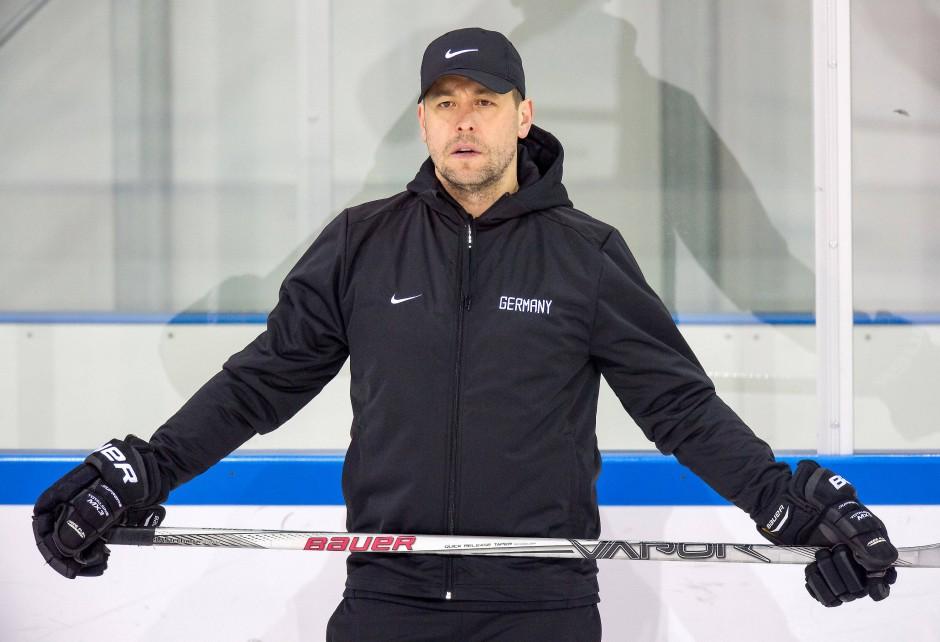 Mann an der Bande: Eishockey-Bundestrainer Marco Sturm