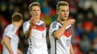 Nach einer erstaunlichen Saison bei den Bayern könnte es nun auch zur EM gehen: Joshua Kimmich (rechts).