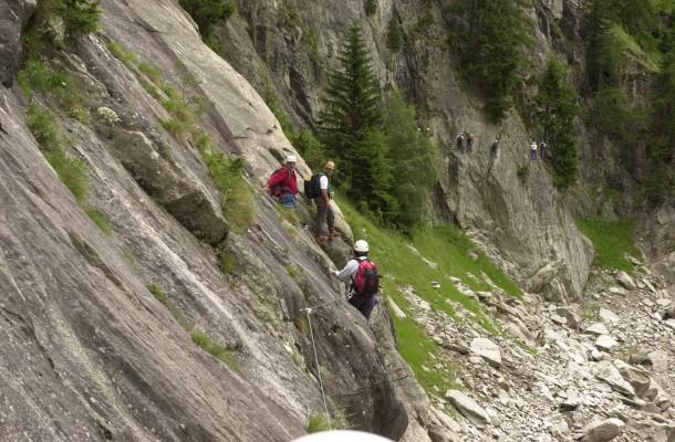 Klettersteig Wallis : Bilderstrecke zu: teamgeist im wallis: everest bezwinger wellig