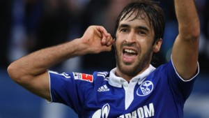 Raúl schießt Schalke aus der Krise