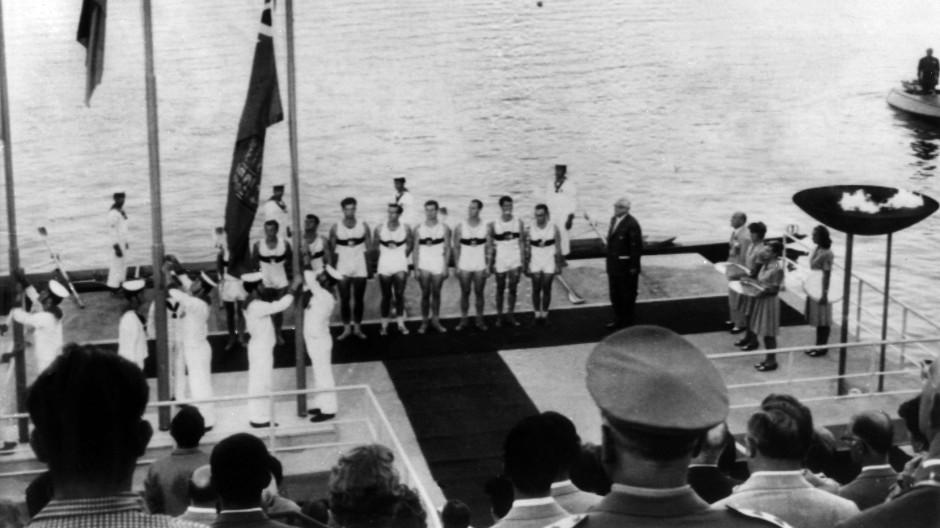 """""""Das Ruderwunder von Rom 1960"""": Der Deutschland-Achter holt OIympia-Gold in Rom."""