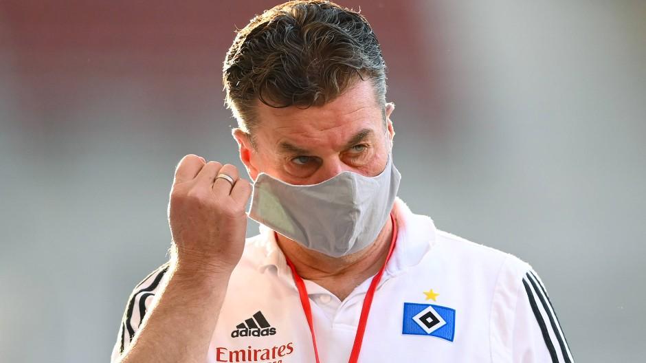 Wie geht es weiter mit Dieter Hecking beim HSV? Der Verein hat sich bereits positioniert.