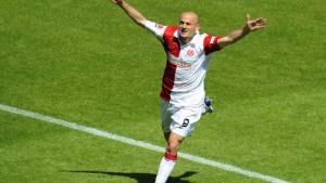 Mainz steigt auf - Nürnberg darf in die Relegation