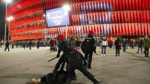 Polizist stirbt bei Ausschreitungen in Bilbao