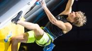 Alex Megos will nicht nur am Fels, sondern auch bei Olympia in der Halle erfolgreich sein.