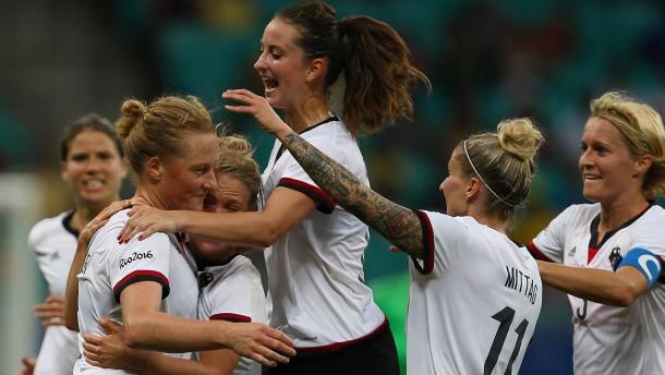 Behringer schießt Deutschland ins Halbfinale