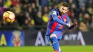 Ausgleich in letzter Minute: Lionel Messi trifft für Barcelona in Villarreal.