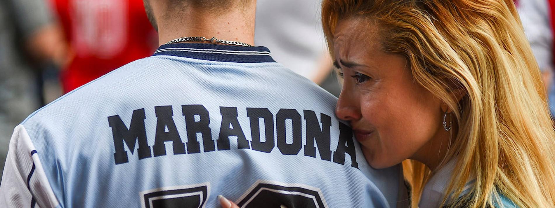 Ein ganzes Land weint um Maradona
