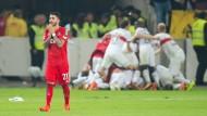 Des einen Freud, des anderen Leid: Während der VfB Stuttgart feiert, ist Kölns Bittencourt frustriert