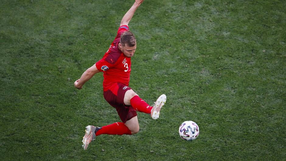 Silvan Widmer spielte sich mit der Schweiz bei der EM in den Vordergrund.
