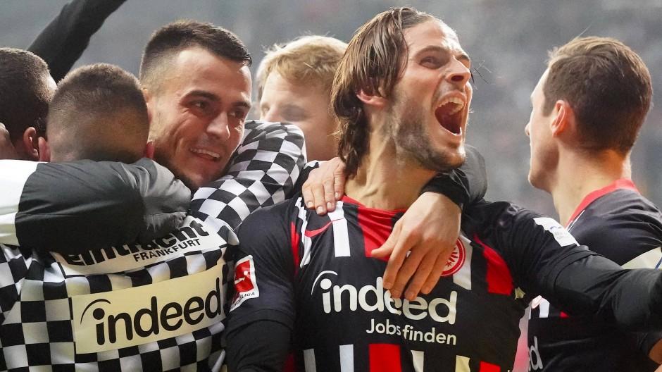 Schrei vor Glück: Goncalo Paciencia freut sich über den von ihm initiierten Treffer gegen Leipzig.