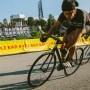 Radrennen ohne Schaltung und Bremsen, aber mit strammen Beinen.
